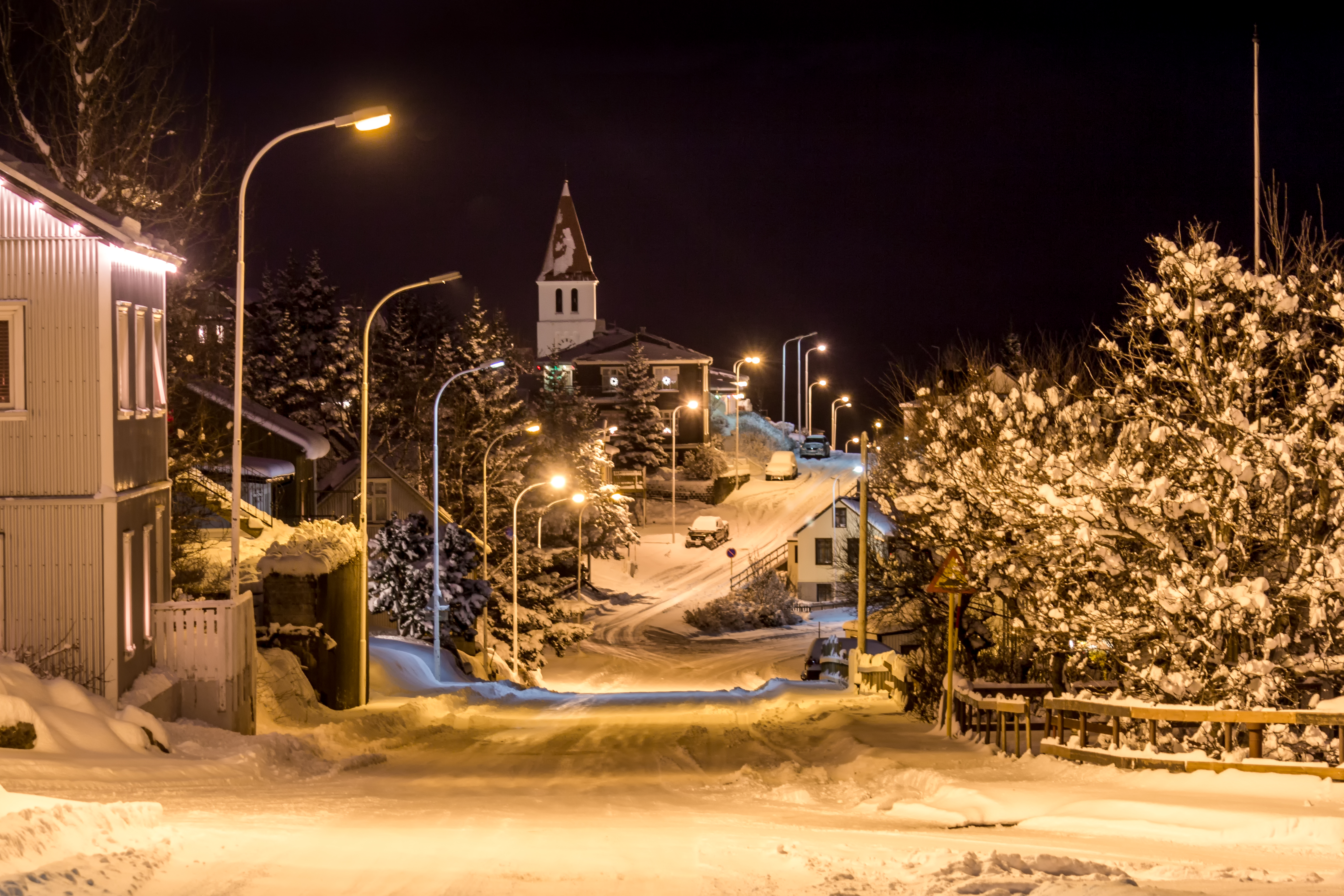 The town of Sigló covered in snow