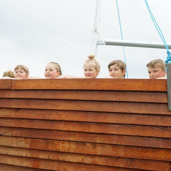 hot-tubs-hauganes-kids.jpg